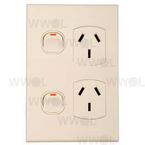 POWER OUTLET DOUBLE GEO VERTICAL